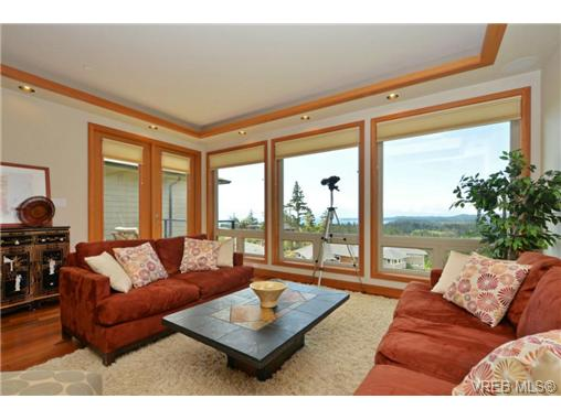 Photo 2: 13 3650 Citadel Place in VICTORIA: Co Latoria Townhouse for sale (Colwood)  : MLS® # 364045