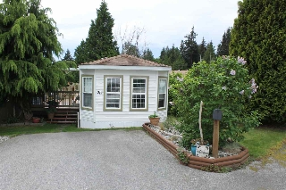 Main Photo: 26 5575 MASON Road in Sechelt: Sechelt District Manufactured Home for sale (Sunshine Coast)  : MLS® # R2064821