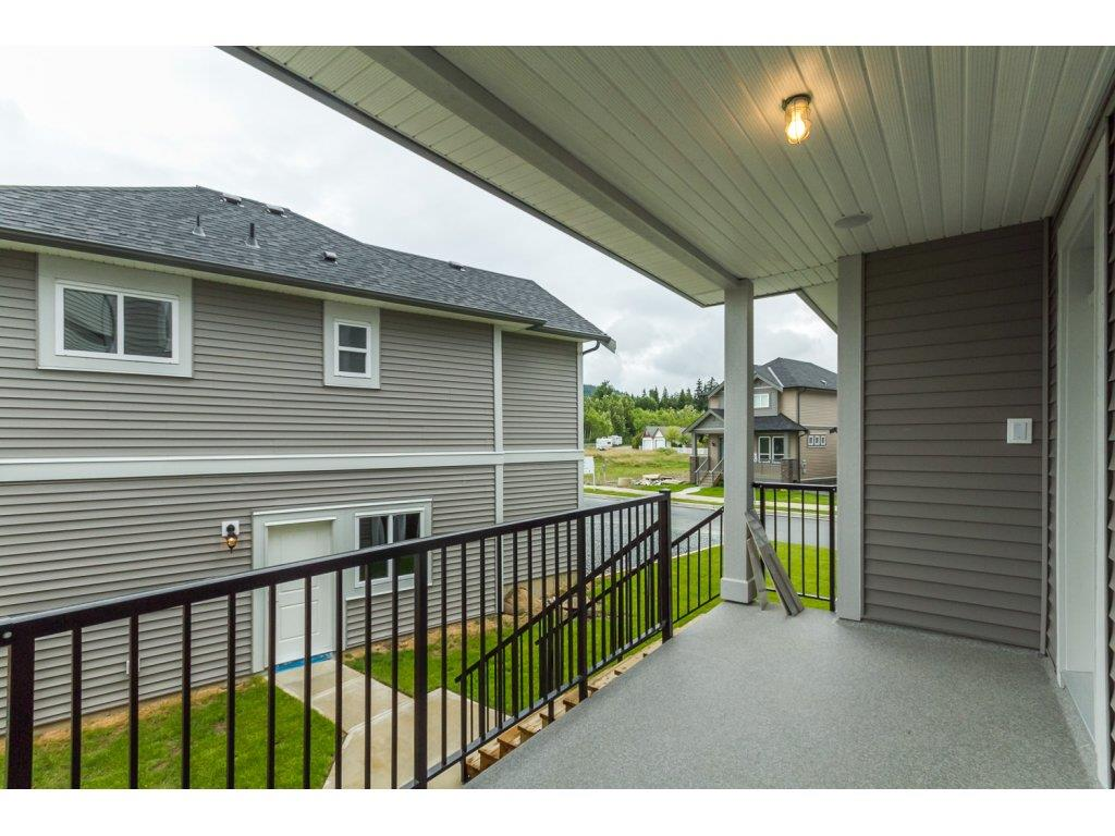 Photo 2: 35936 SHADBOLT Avenue in Abbotsford: Abbotsford East House for sale : MLS® # R2076195