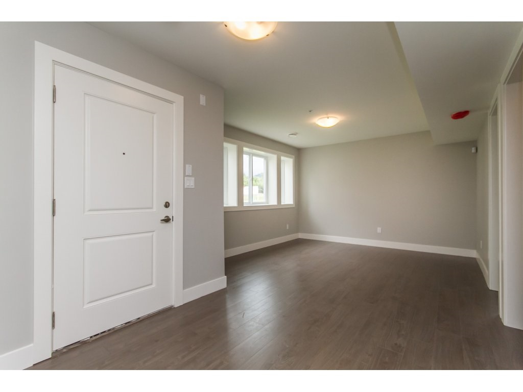 Photo 16: 35936 SHADBOLT Avenue in Abbotsford: Abbotsford East House for sale : MLS® # R2076195