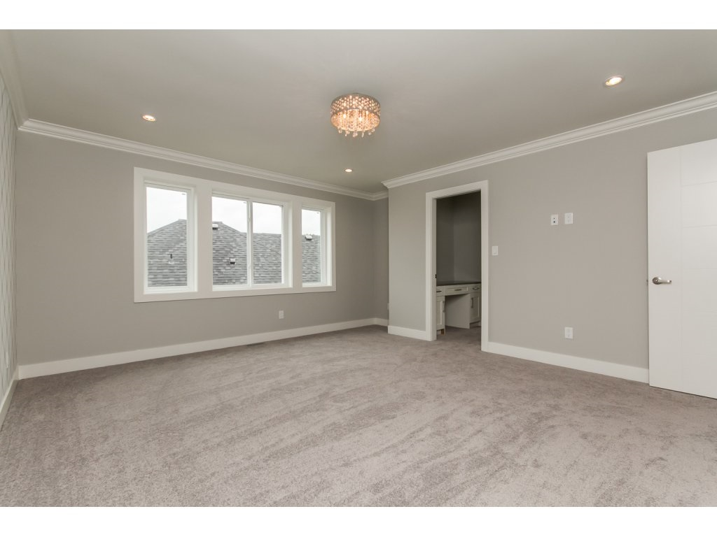 Photo 10: 35936 SHADBOLT Avenue in Abbotsford: Abbotsford East House for sale : MLS® # R2076195