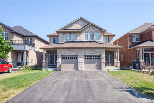 Main Photo: 7404 Saint Barbara Boulevard in Mississauga: Meadowvale Village House (2-Storey) for sale : MLS(r) # W3536044