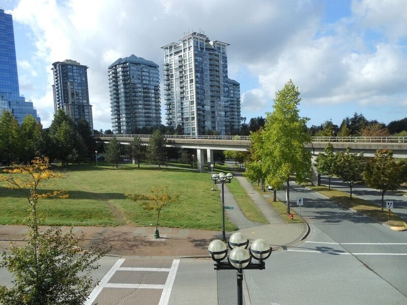"Photo 3: 214 13468 KING GEORGE Boulevard in Surrey: Whalley Condo for sale in ""Brookland"" (North Surrey)  : MLS® # R2111340"