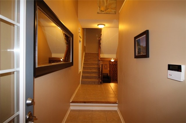 Photo 2: 3247 Redpath Circle in Mississauga: Lisgar House (3-Storey) for sale : MLS(r) # W3661738