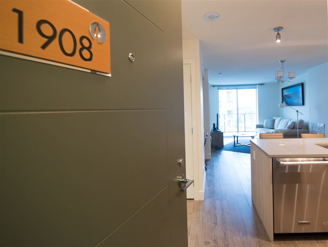 "Photo 2: 1908 3007 GLEN Drive in Coquitlam: North Coquitlam Condo for sale in ""EVERGREEN BY BOSA"" : MLS® # R2131951"