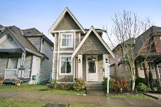 "Main Photo: 6678 192A Street in Surrey: Clayton House for sale in ""CLAYTON"" (Cloverdale)  : MLS(r) # R2132944"