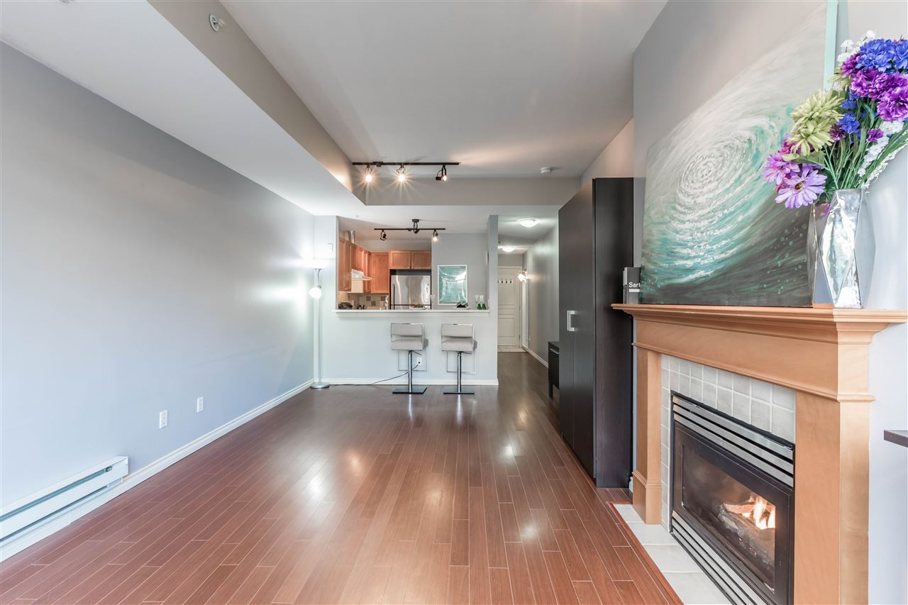 "Main Photo: 103 3333 W 4TH Avenue in Vancouver: Kitsilano Condo for sale in ""BLENHEIM TERRACE"" (Vancouver West)  : MLS®# R2138366"