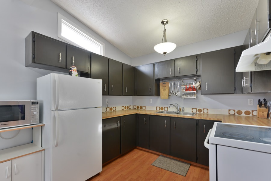 Photo 4: 6406 178 Street NW Edmonton 2 Bedroom Townhouse For Sale E4051465
