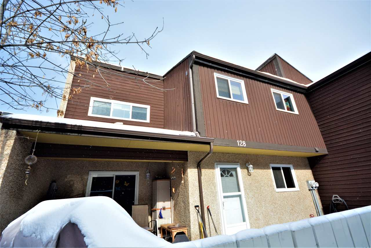 Main Photo: 128 KASKITAYO Court in Edmonton: Zone 16 Townhouse for sale : MLS(r) # E4053907