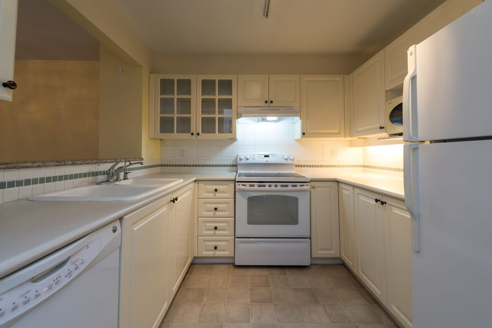 "Photo 5: 116 8880 JONES Road in Richmond: Brighouse South Condo for sale in ""Redonda"" : MLS(r) # R2147055"