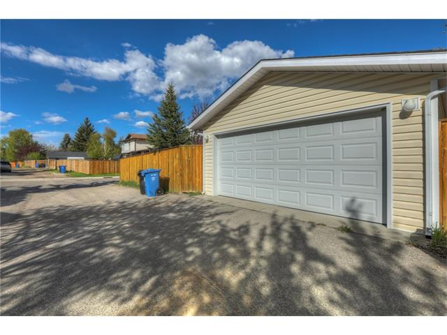 Photo 32: 436 WOODSIDE Road SW in Calgary: Woodlands House for sale : MLS® # C4117754