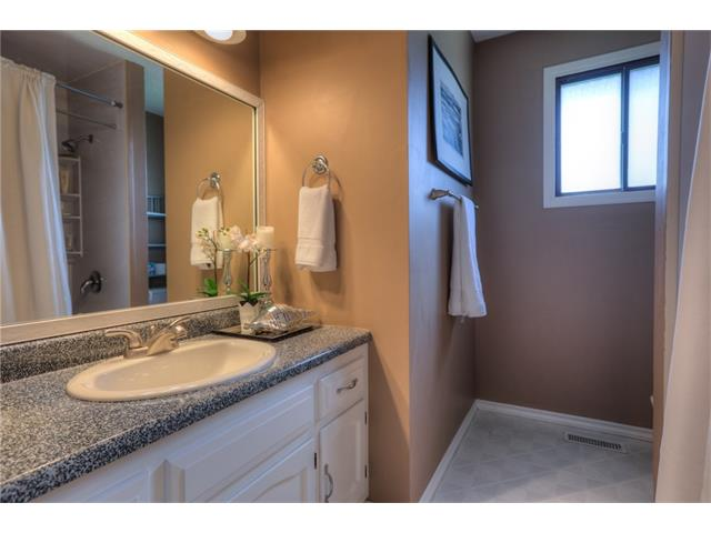 Photo 15: 436 WOODSIDE Road SW in Calgary: Woodlands House for sale : MLS® # C4117754