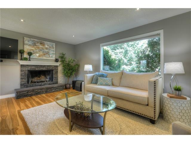Photo 4: 436 WOODSIDE Road SW in Calgary: Woodlands House for sale : MLS® # C4117754