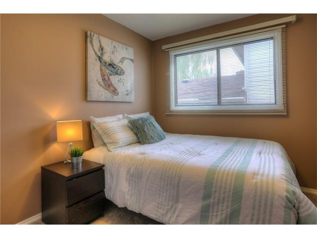 Photo 18: 436 WOODSIDE Road SW in Calgary: Woodlands House for sale : MLS® # C4117754
