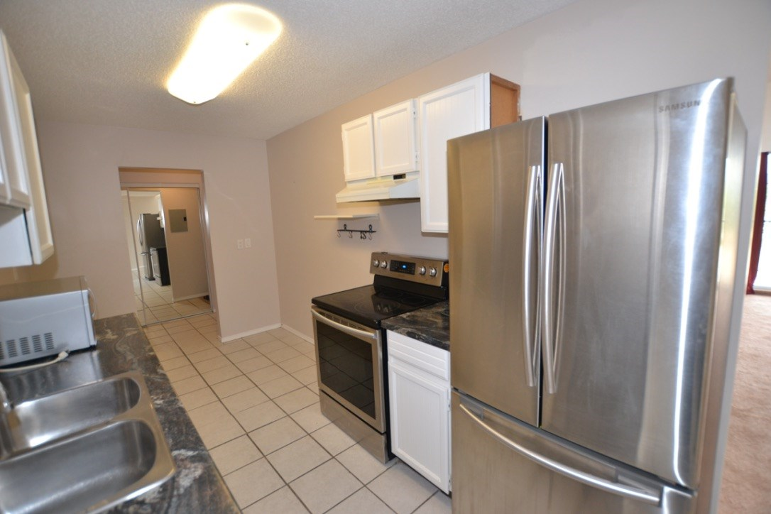"Photo 4: 348 2821 TIMS Street in Abbotsford: Abbotsford West Condo for sale in ""~Parkview Estates~"" : MLS® # R2204865"