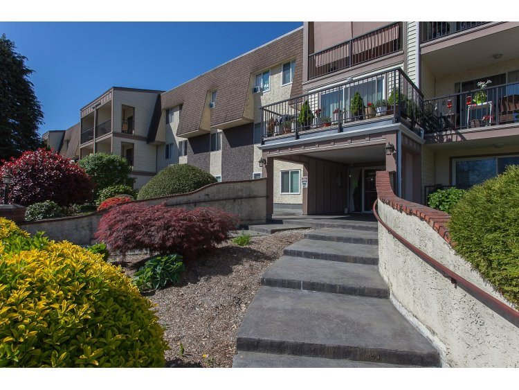 "Main Photo: 348 2821 TIMS Street in Abbotsford: Abbotsford West Condo for sale in ""~Parkview Estates~"" : MLS® # R2204865"