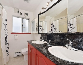 Double sinks in Main Bathroom!