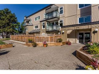 "Main Photo: 101 1850 E SOUTHMERE Crescent in Surrey: Sunnyside Park Surrey Condo for sale in ""SOUTHMERE PLACE"" (South Surrey White Rock)  : MLS® # R2215228"