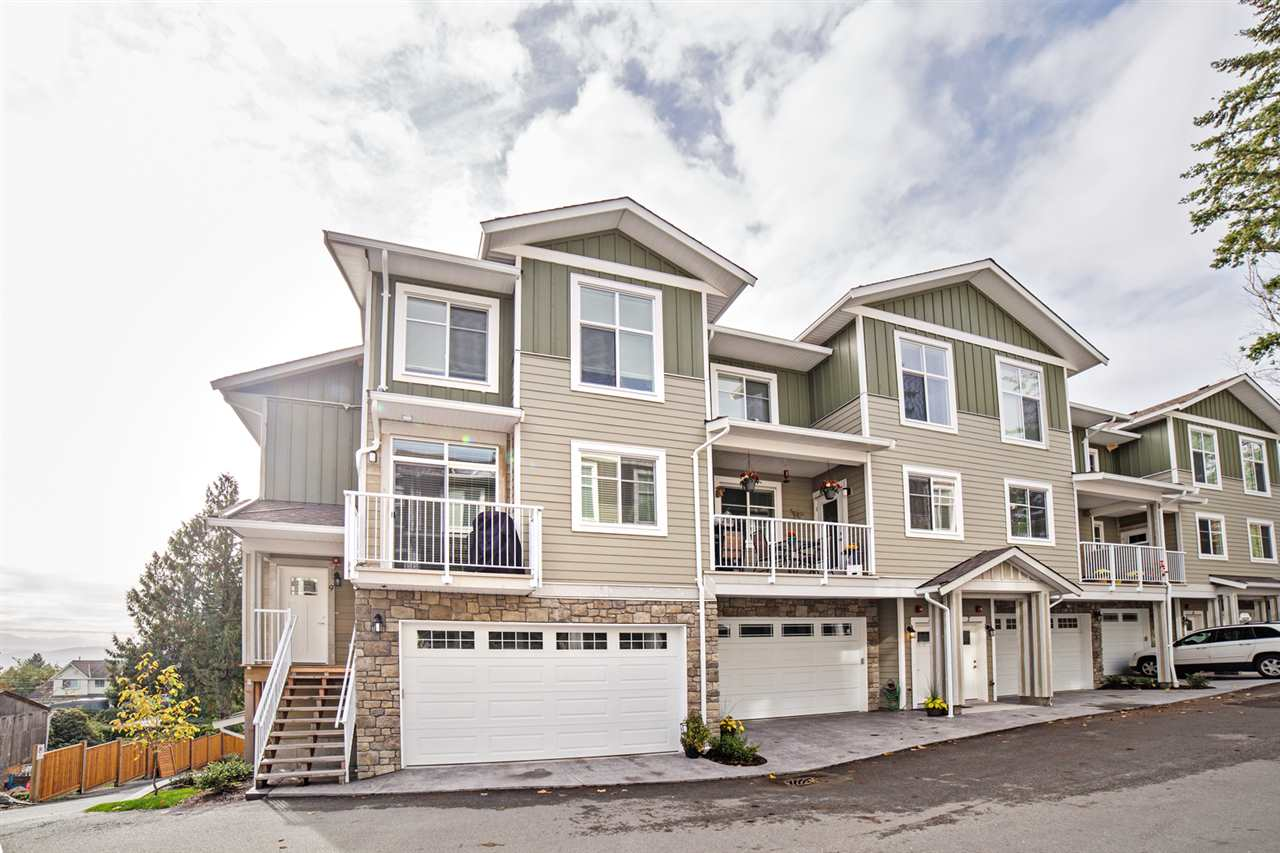 "Main Photo: 9 32921 14TH Avenue in Mission: Mission BC Townhouse for sale in ""Southwynd"" : MLS® # R2216390"