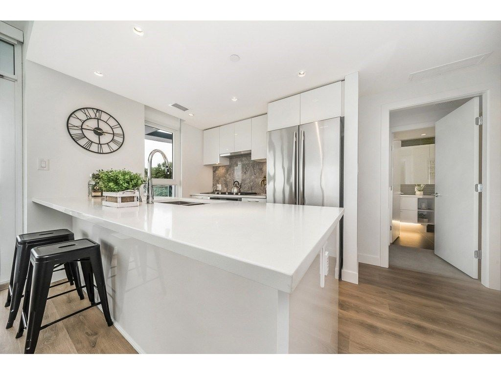 "Main Photo: 908 8538 RIVER DISTRICT Crossing in Vancouver: Champlain Heights Condo for sale in ""ONE TOWN CENTRE"" (Vancouver East)  : MLS®# R2280873"