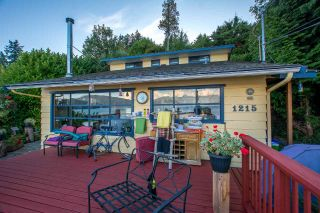 Main Photo: 1215 POINT Road in Gibsons: Gibsons & Area House for sale (Sunshine Coast)  : MLS®# R2306030