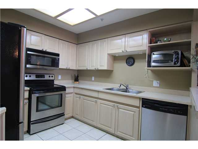 "Photo 7: 307 1955 SUFFOLK Avenue in Port Coquitlam: Glenwood PQ Condo for sale in ""Oxford Place"" : MLS® # V1032210"