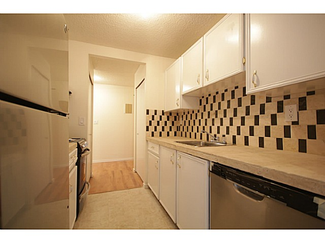 "Main Photo: 702 9541 ERICKSON Drive in Burnaby: Sullivan Heights Condo for sale in ""ERICKSON TOWER"" (Burnaby North)  : MLS(r) # V1036246"