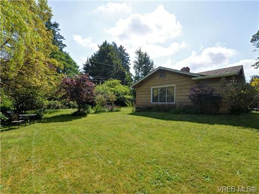 Main Photo: 1105 Darcy Lane in VICTORIA: SE Cordova Bay Single Family Detached for sale (Saanich East)  : MLS(r) # 351269