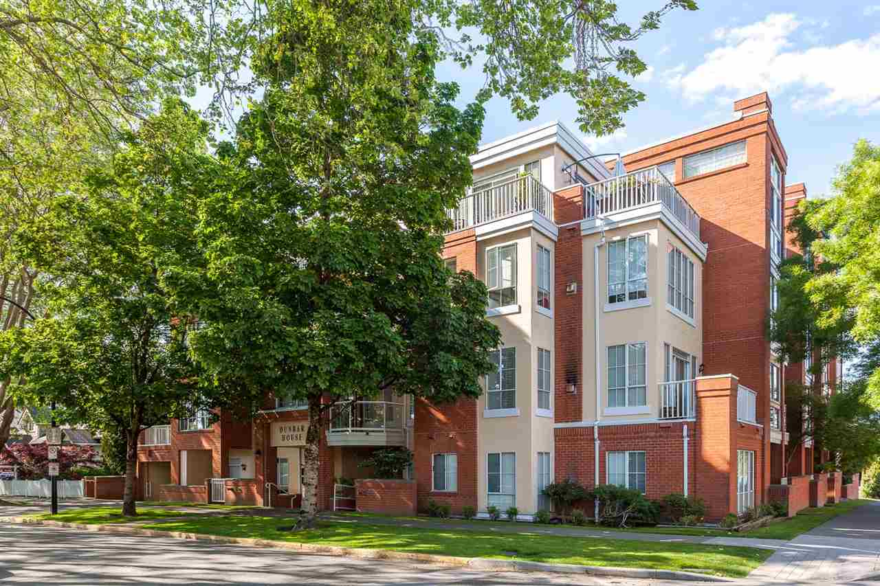 Main Photo: 304 3621 W 26TH Avenue in Vancouver: Dunbar Condo for sale (Vancouver West)  : MLS(r) # R2066861