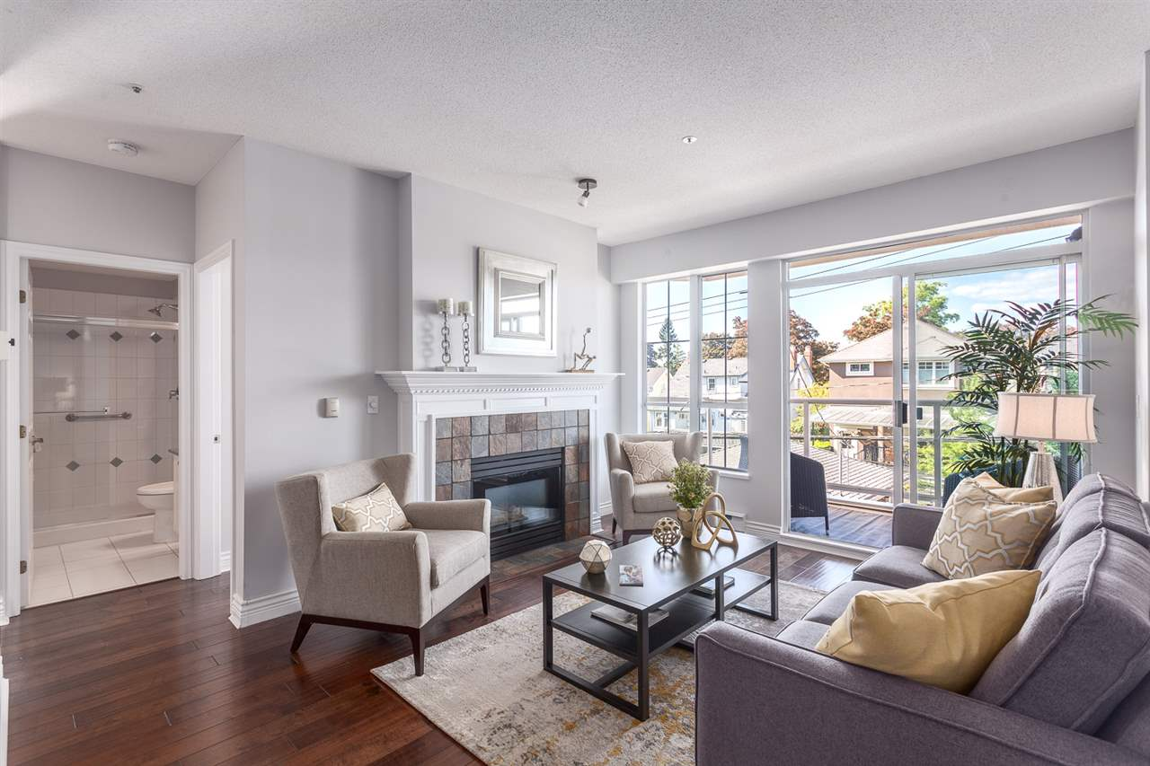 Photo 3: 304 3621 W 26TH Avenue in Vancouver: Dunbar Condo for sale (Vancouver West)  : MLS(r) # R2066861