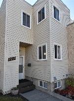 Main Photo: 7240 Millwoods Road S in Edmonton: Zone 29 Townhouse for sale : MLS(r) # E4043596