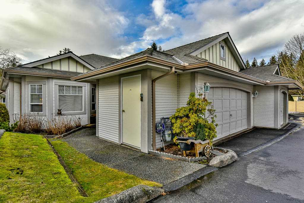 "Main Photo: 112 20655 88 Avenue in Langley: Walnut Grove Townhouse for sale in ""TWIN LAKES"" : MLS®# R2138206"
