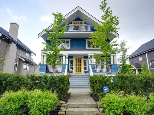 Main Photo: 329 15TH Ave W in Vancouver West: Home for sale : MLS® # V1063168