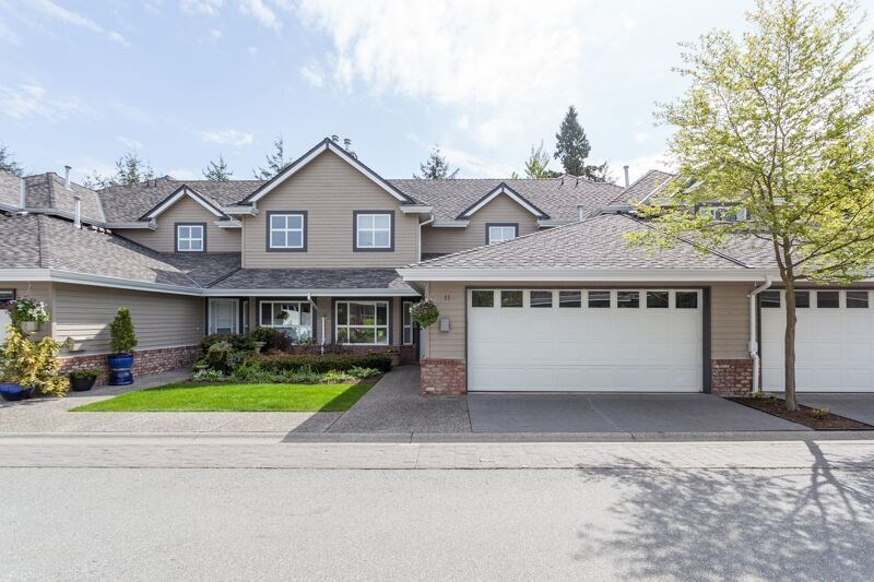 "Main Photo: 11 2168 150A Street in Surrey: Sunnyside Park Surrey Townhouse for sale in ""South Hampton Estates"" (South Surrey White Rock)  : MLS(r) # R2165539"