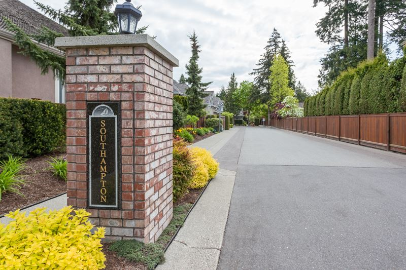 "Photo 2: 11 2168 150A Street in Surrey: Sunnyside Park Surrey Townhouse for sale in ""South Hampton Estates"" (South Surrey White Rock)  : MLS(r) # R2165539"