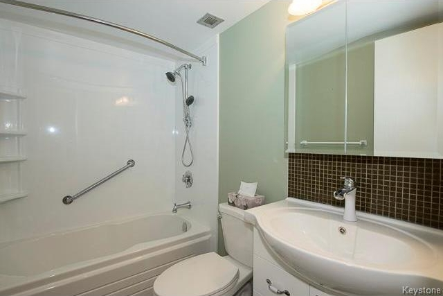 Photo 15: 1600 Taylor Avenue in Winnipeg: River Heights South Condominium for sale (1D)  : MLS® # 1713001
