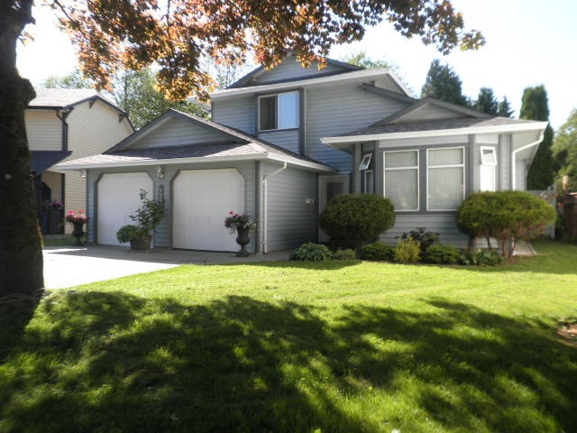 Main Photo: 12533 IZON Court in Maple Ridge: East Central House for sale : MLS(r) # R2170952