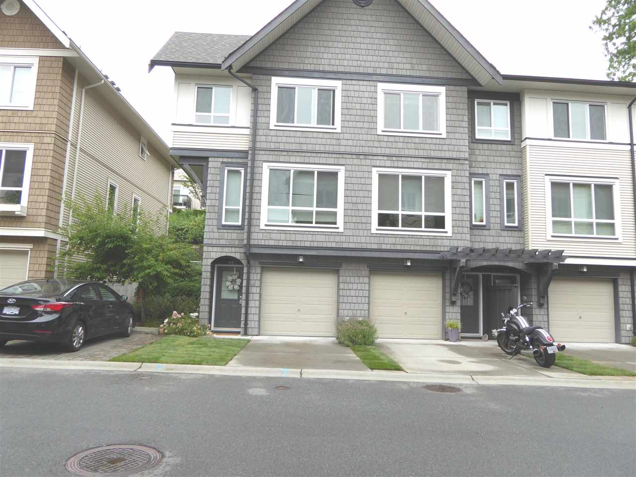 "Main Photo: 53 1305 SOBALL Street in Coquitlam: Burke Mountain Townhouse for sale in ""Tyneridge"" : MLS®# R2191763"