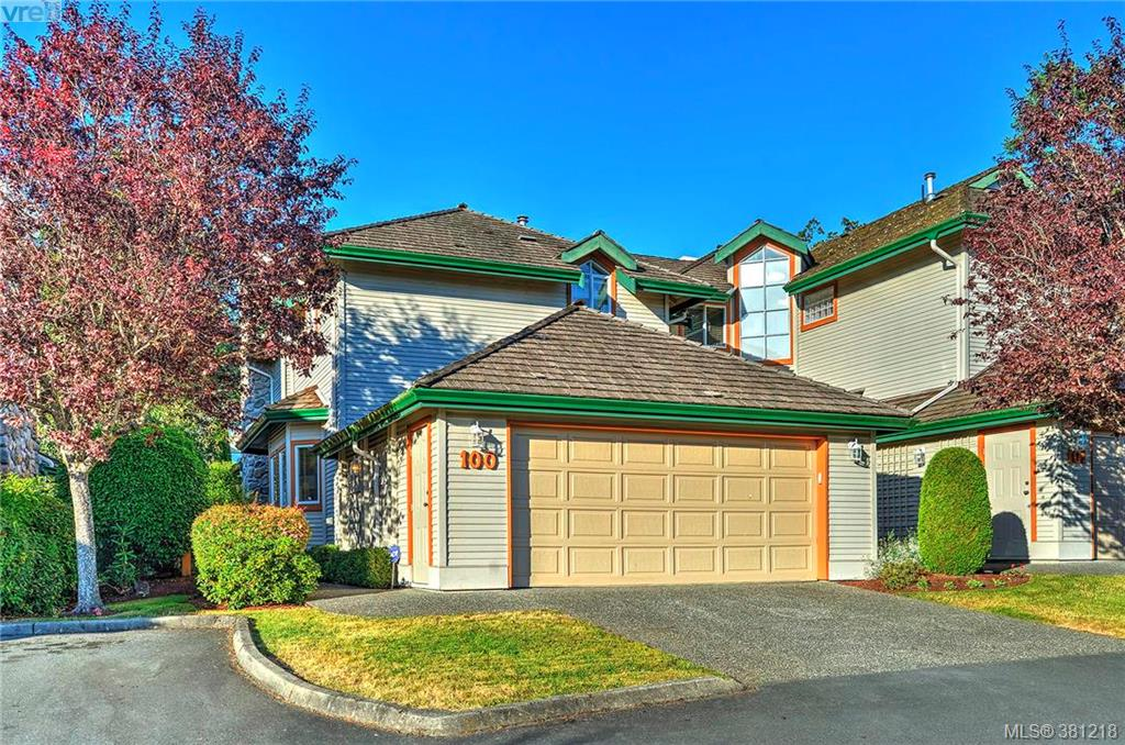 Main Photo: 100 530 Marsett Place in VICTORIA: SW Royal Oak Townhouse for sale (Saanich West)  : MLS(r) # 381218