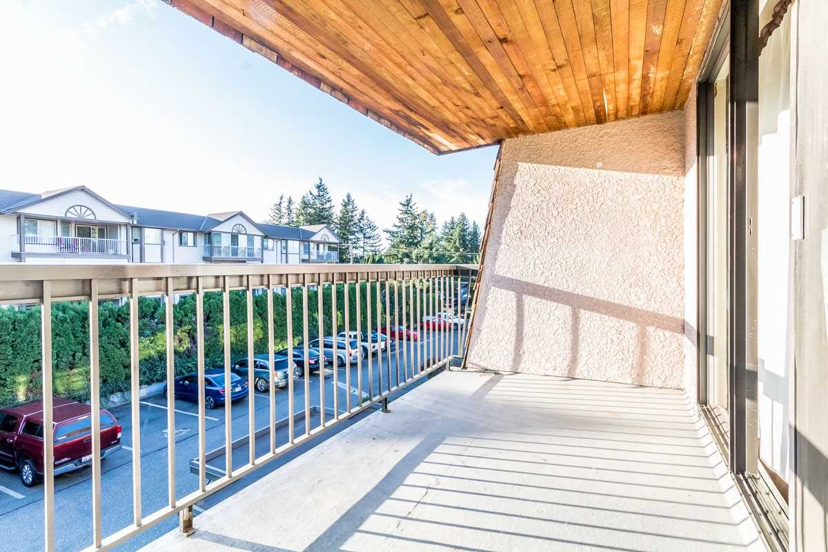Photo 13: 318 32175 OLD YALE Road in Abbotsford: Abbotsford West Condo for sale : MLS® # R2203398
