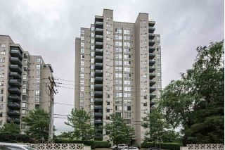 "Main Photo: 703 420 CARNARVON Street in New Westminster: Downtown NW Condo for sale in ""Carnarvon Place"" : MLS® # R2219527"