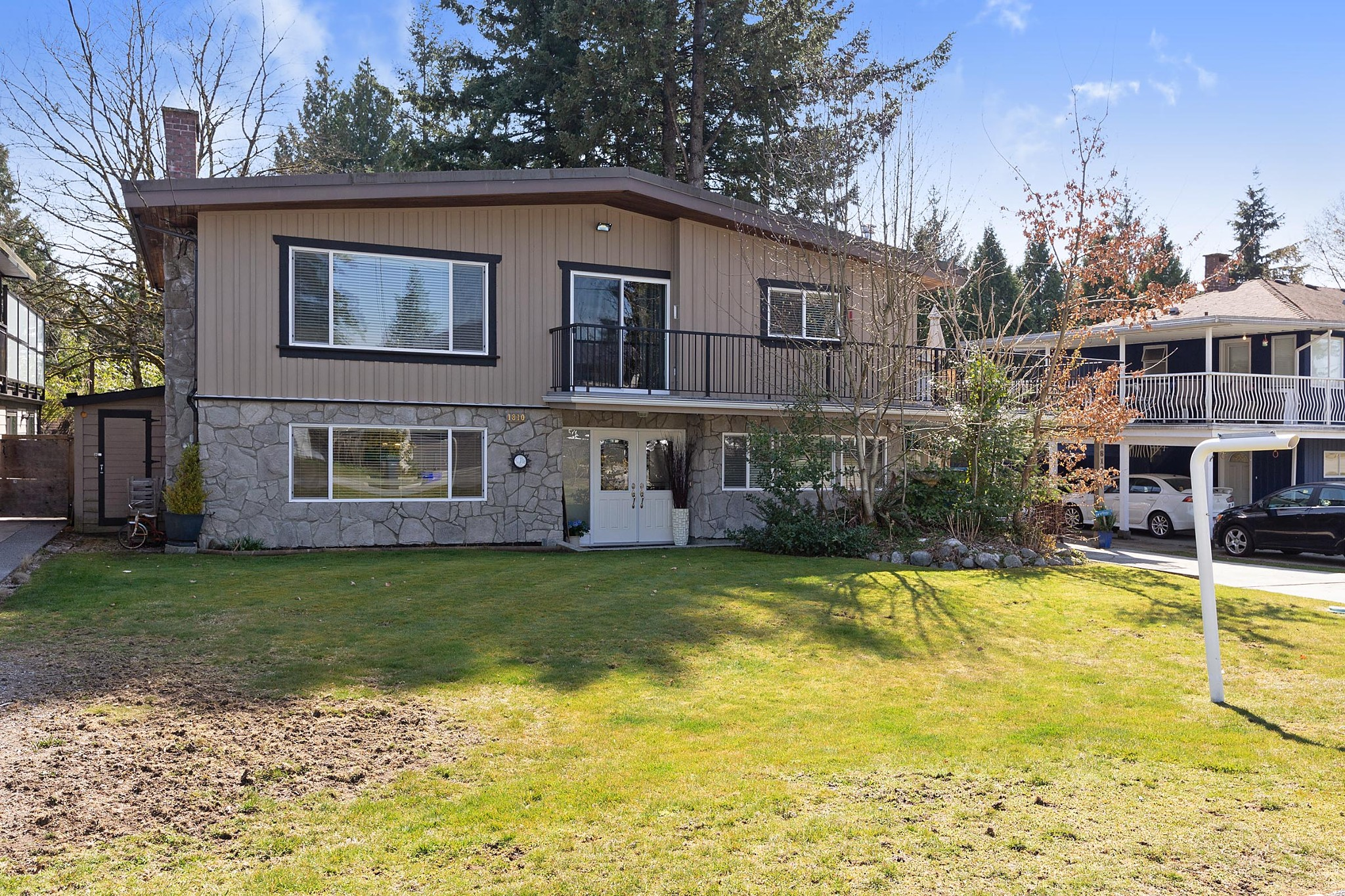 FEATURED LISTING: 1810 WOODVALE Avenue Coquitlam