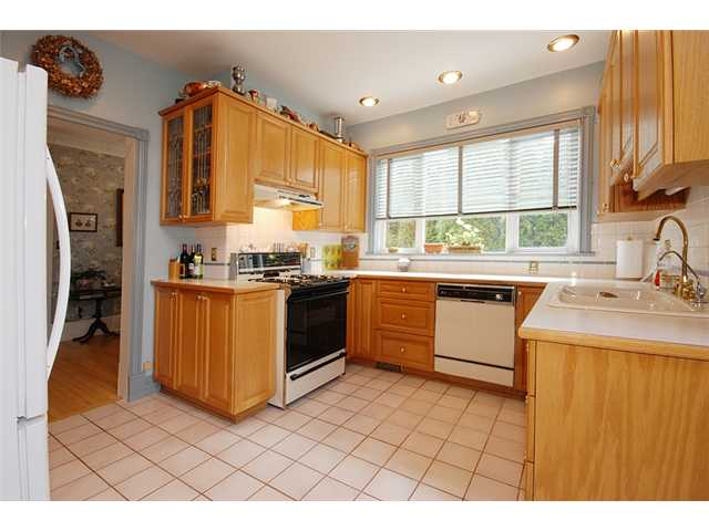 Photo 6: 326 3RD Street in New Westminster: Queens Park House for sale : MLS(r) # V882156