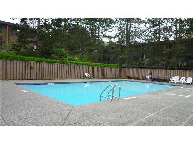 Photo 10: 7385 CAPISTRANO Drive in Burnaby: Montecito Townhouse for sale (Burnaby North)  : MLS(r) # V884476