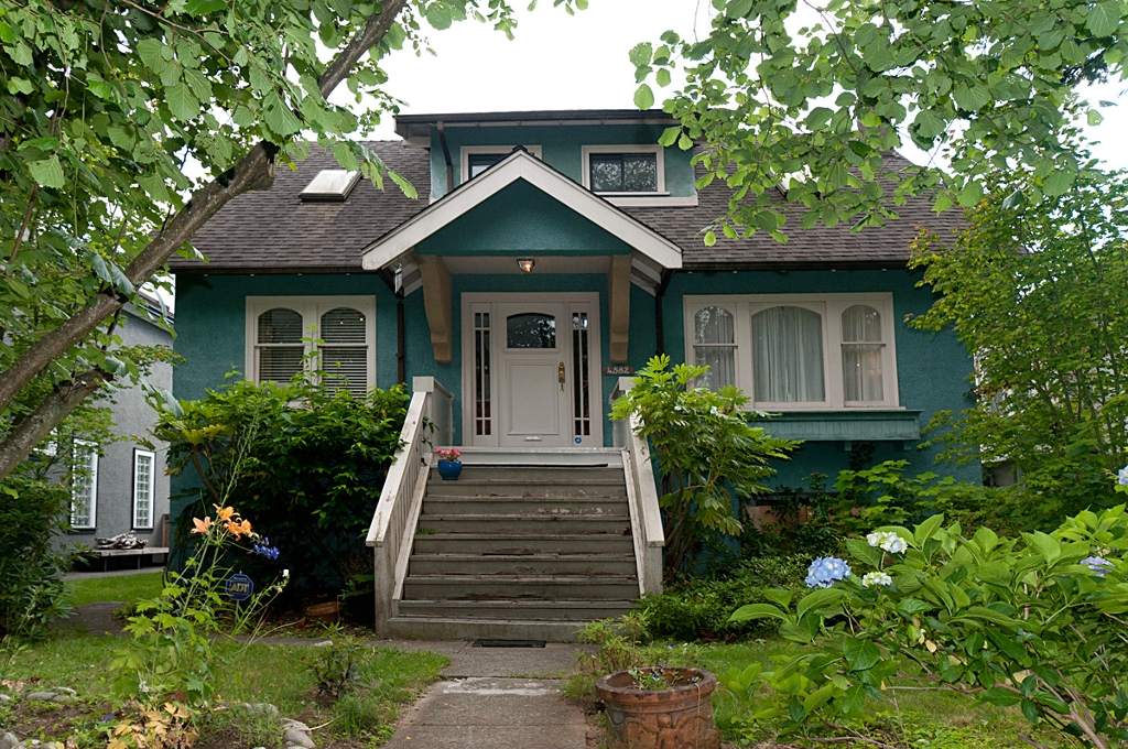 Main Photo: 4582 W 14TH Avenue in Vancouver: Point Grey House for sale (Vancouver West)  : MLS(r) # V902035