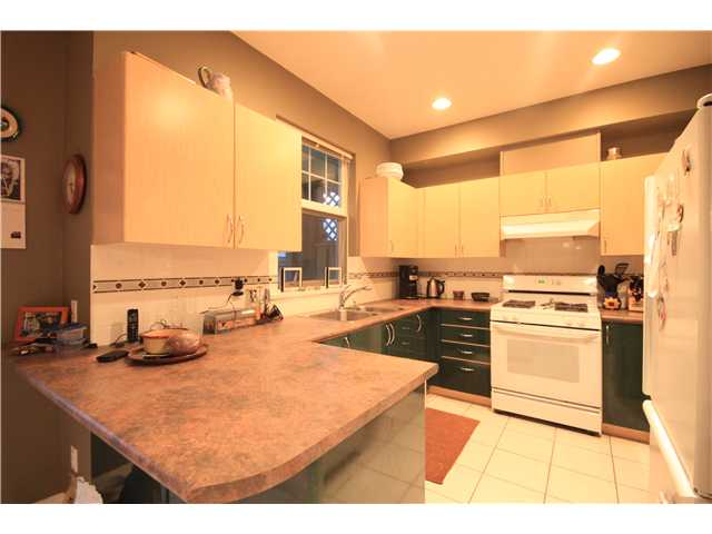 "Photo 5: # 9 89 STAR CR in New Westminster: Queensborough Condo for sale in ""The Residences by the River"" : MLS(r) # V953458"