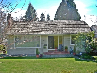 Main Photo: 1310 MATHERS Ave in West Vancouver: Ambleside Home for sale ()  : MLS®# V942490