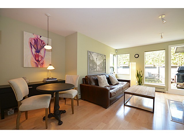 "Main Photo: 104 2455 YORK Avenue in Vancouver: Kitsilano Condo for sale in ""Greenwood York"" (Vancouver West)  : MLS(r) # V1061552"