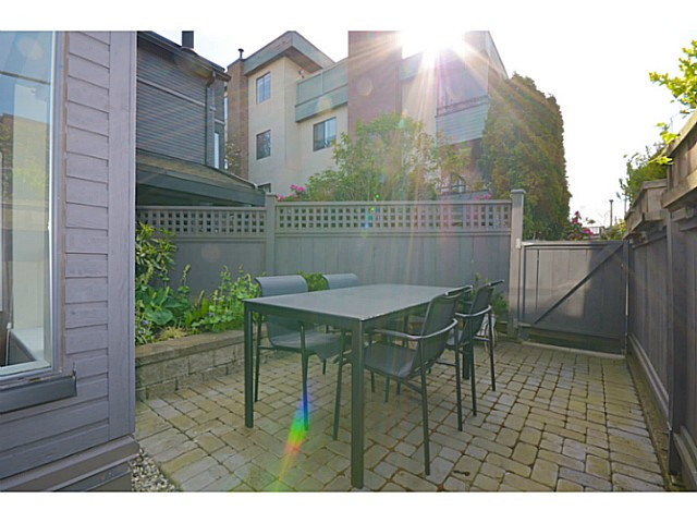 "Photo 12: 104 2455 YORK Avenue in Vancouver: Kitsilano Condo for sale in ""Greenwood York"" (Vancouver West)  : MLS(r) # V1061552"