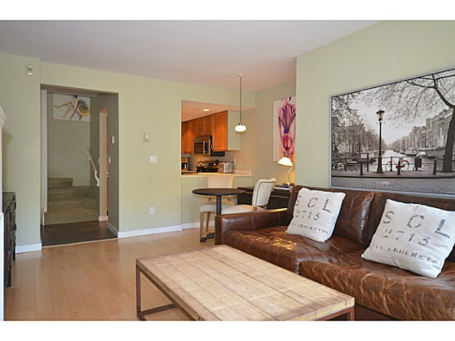 "Photo 4: 104 2455 YORK Avenue in Vancouver: Kitsilano Condo for sale in ""Greenwood York"" (Vancouver West)  : MLS(r) # V1061552"